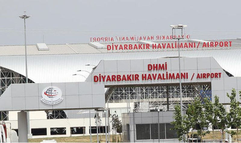 bandara-utama-turki-di-diryabakir-dihujani-roke