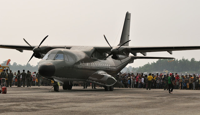 Pesawat CN-235 220 produksi PT Dirgantara Indonesia.