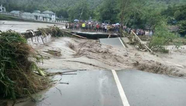 Banjir di Bima, Nusa Tenggara Barat, Rabu (21/12).